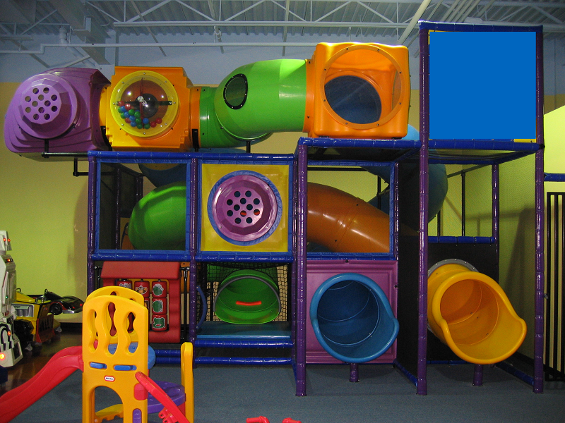 Amusement_Concepts_Tropical_Coloured Playground 1
